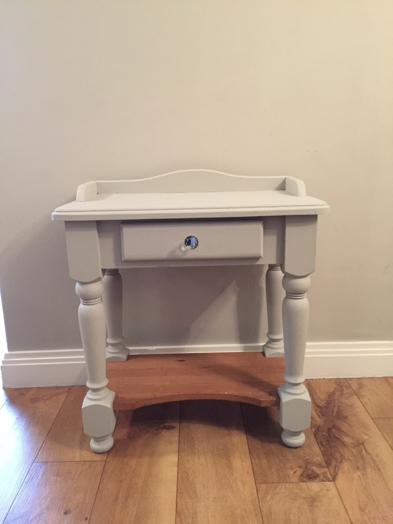 Shabby chic wash table