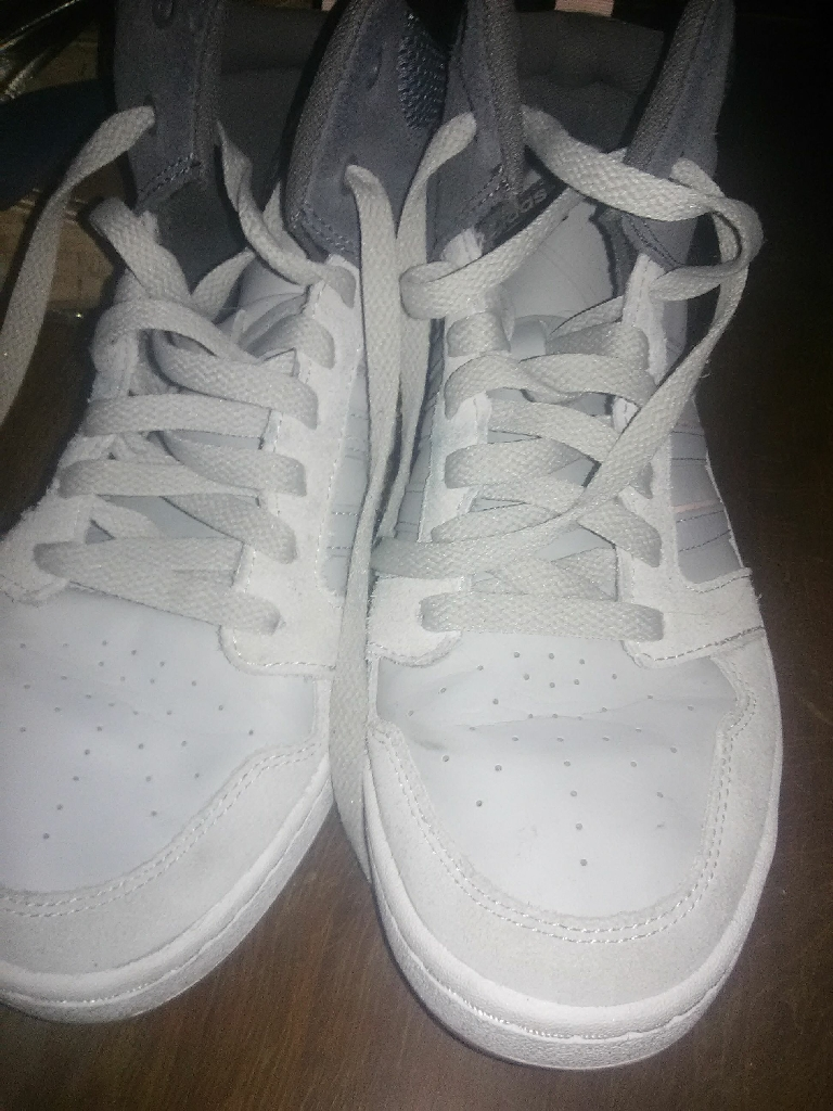 Shoes size 9