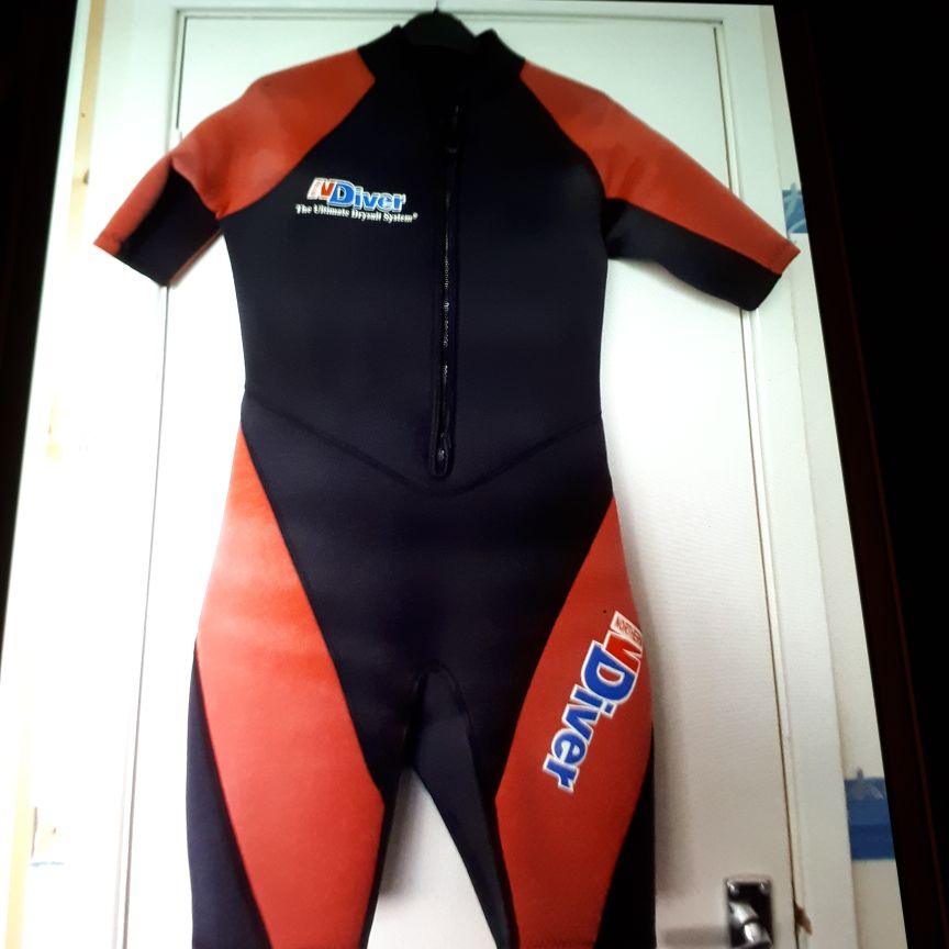 Shorty wet suit