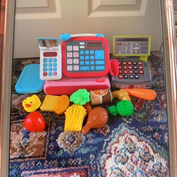 Children's shopping toys