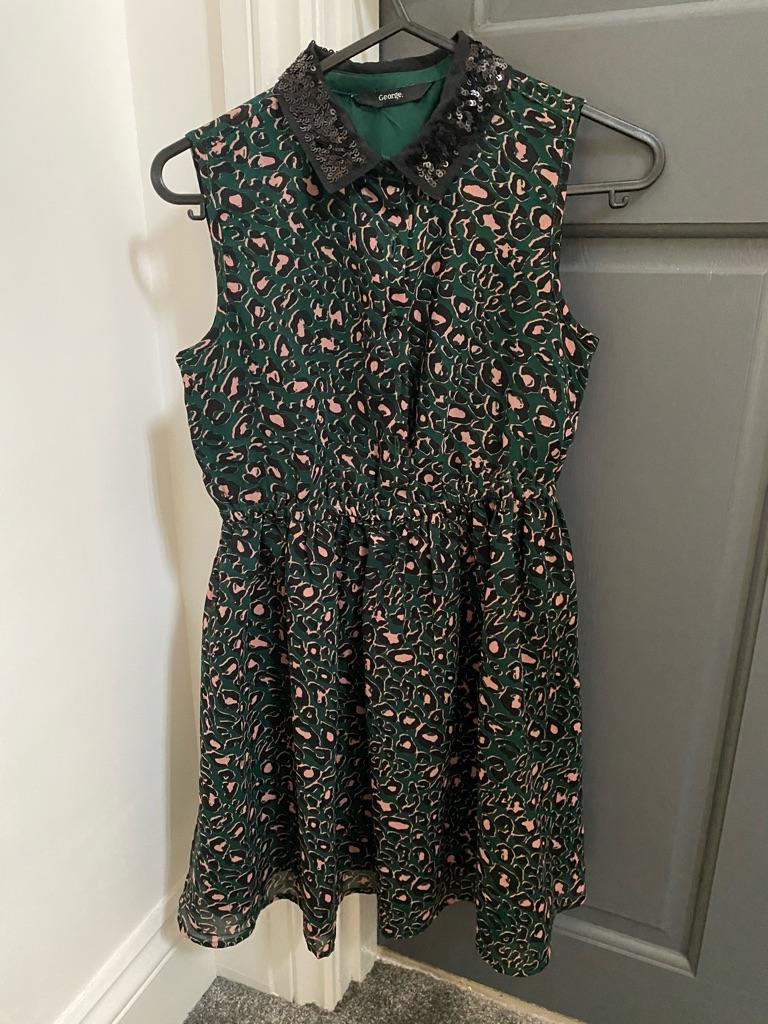 Animal print green dress, 8-9yrs