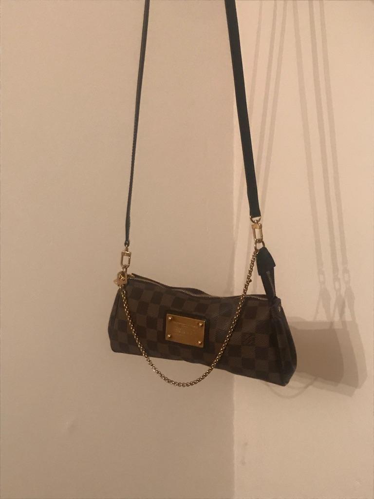 Mint condition Louis Vuitton Eva Clutch in Demier Ebene