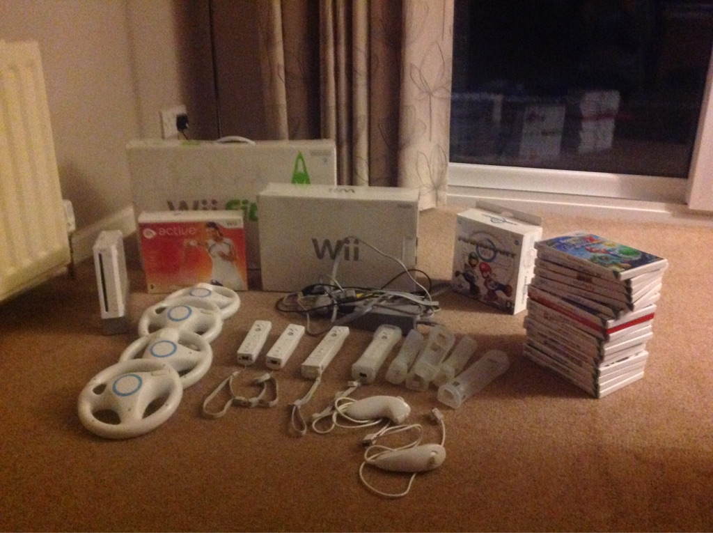 Nintendo Wii with lots of extras