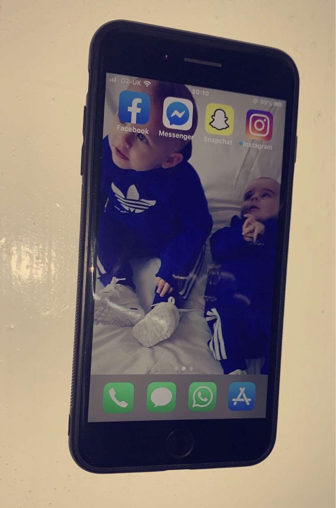🔥iPhone 7 Plus Like New 256GB Unlocked To Any Network Comes With Charger And Cover Grab A Bargain🔥