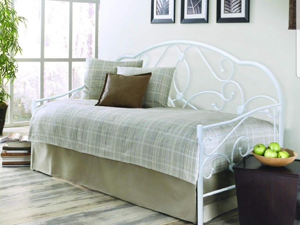 White Metal single day bed