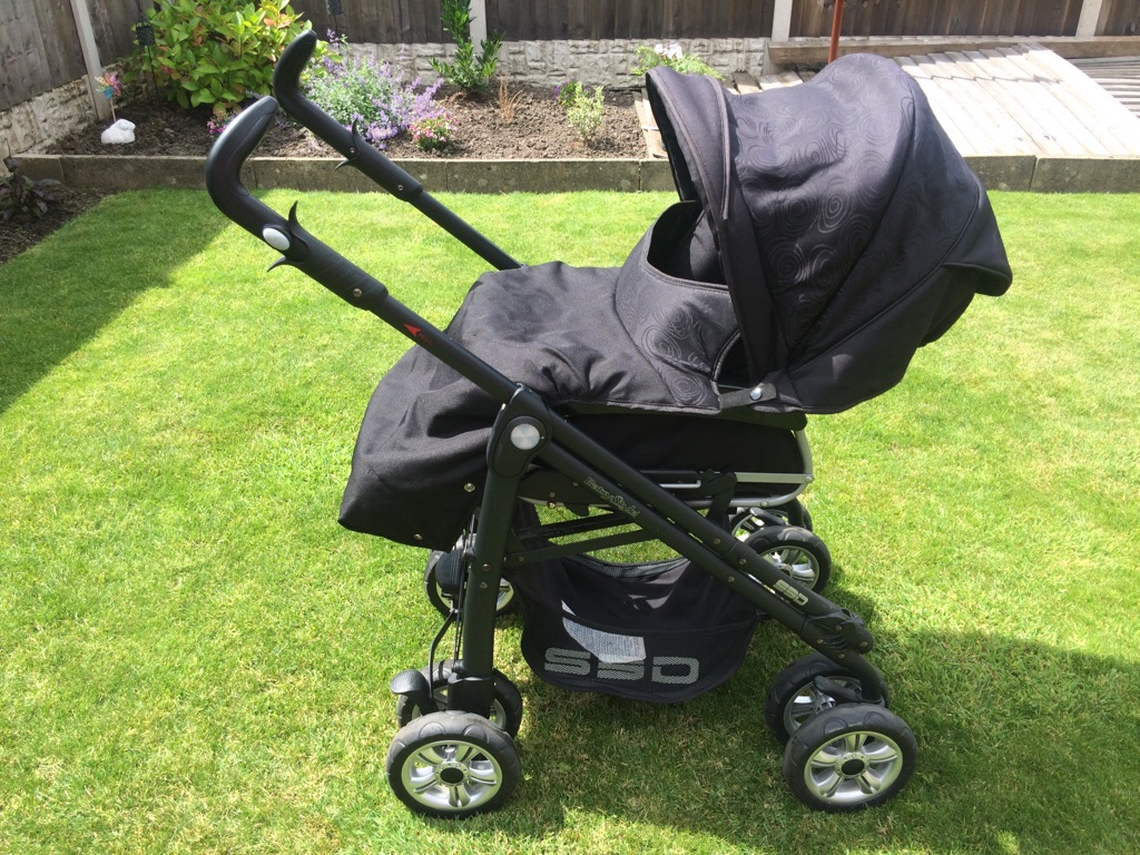BabyStyle 3 way pram, Car Seat & Accessorise