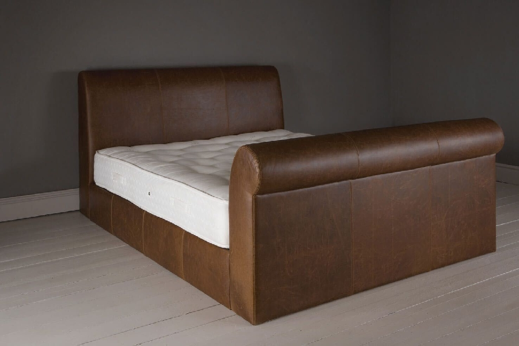 Saddlers Kingsize bed