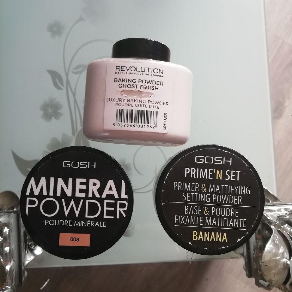 Make up powder