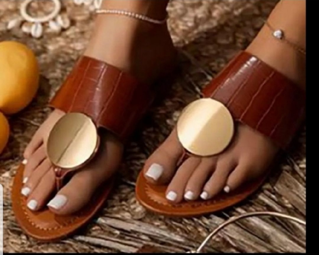 Fashion Women's sandals  size  7.5 , 8 , 8.5 , 9