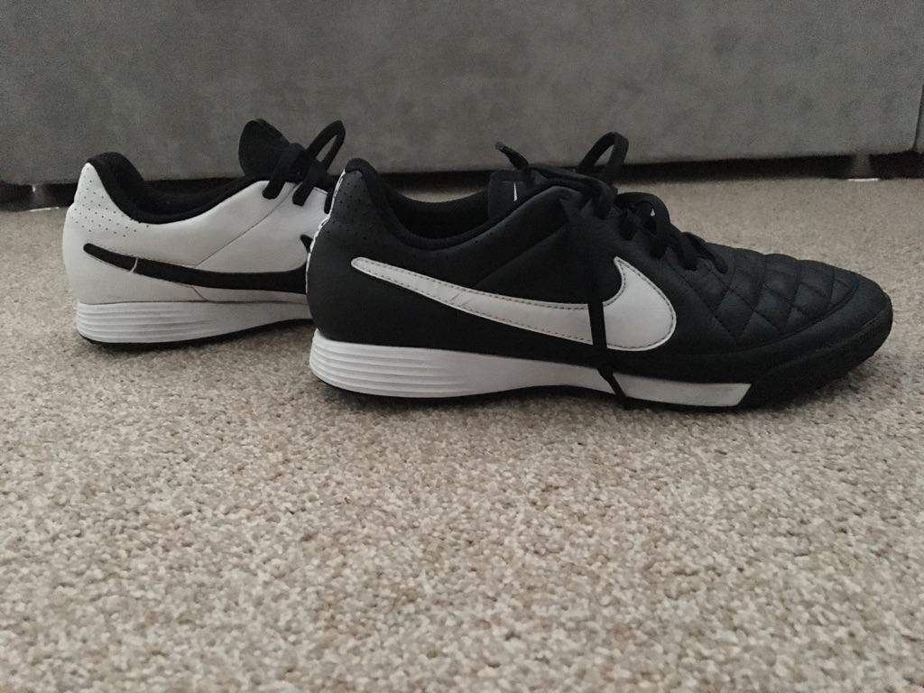 Men's Nike football shoes size 7