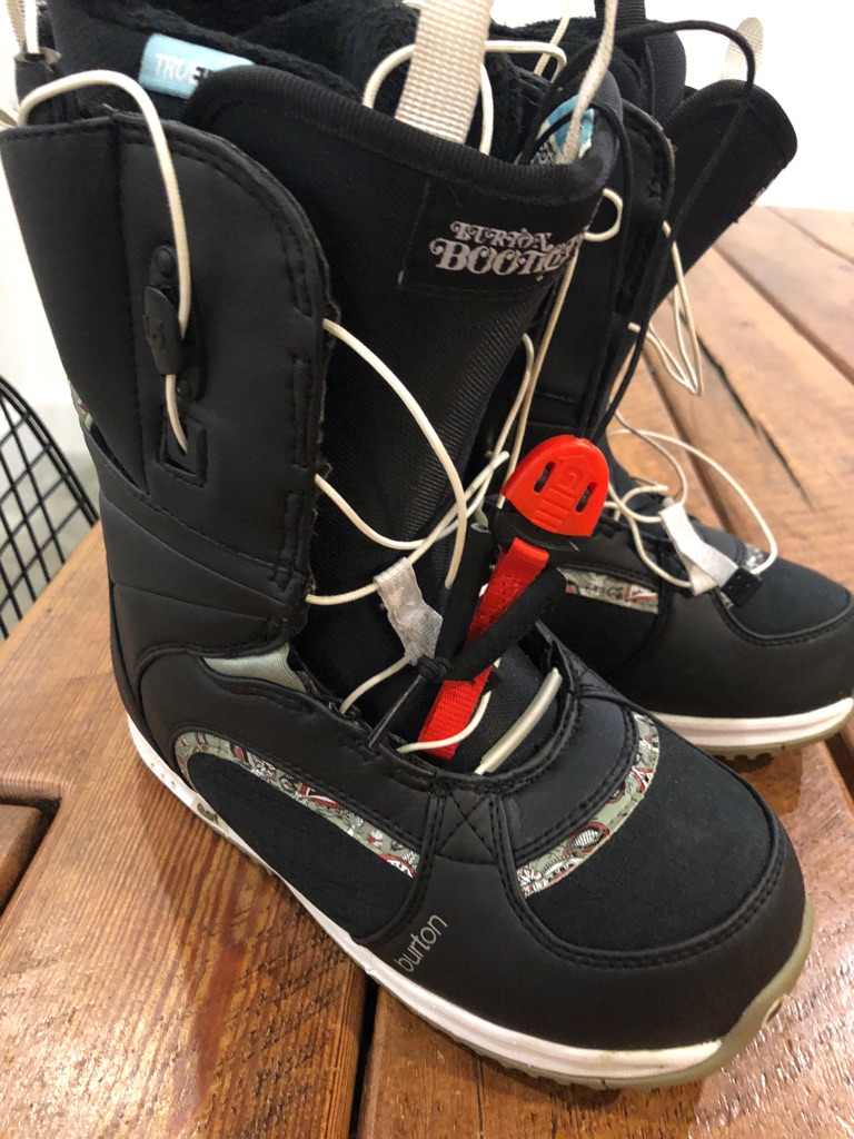 New Burton snowboarding boots ladies