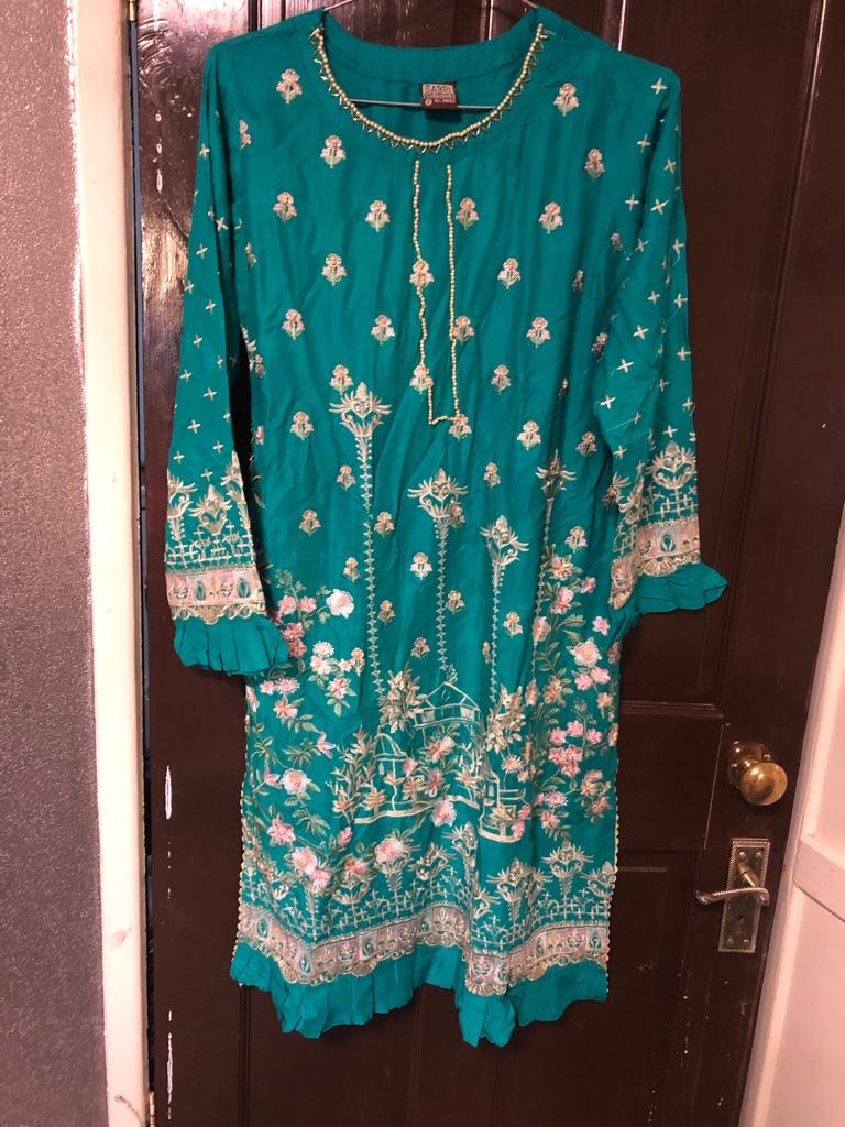 Pakistani embroidered suite