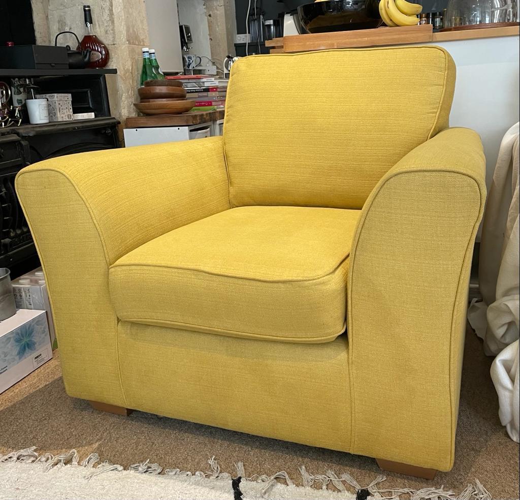 Armchair mustard
