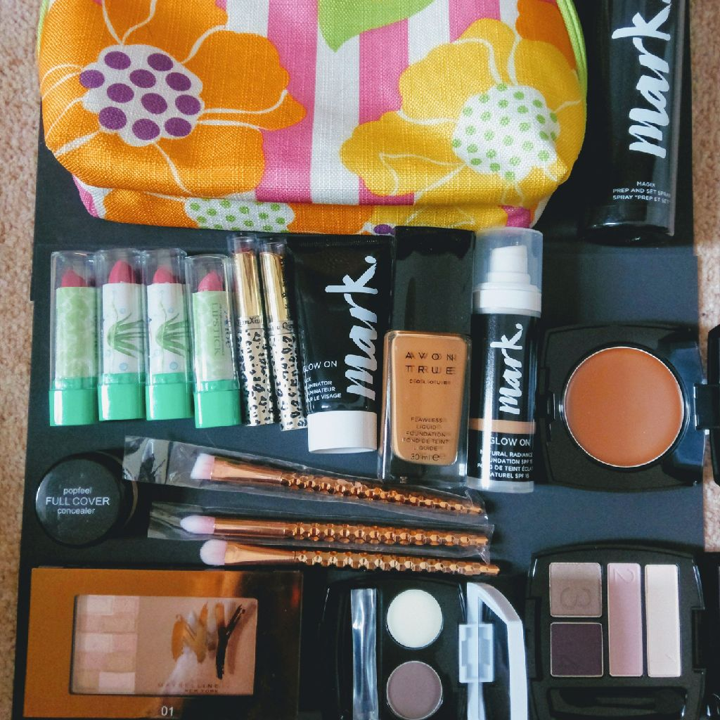 Clinique bag with mixture of make up
