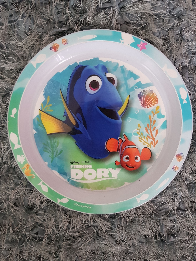 Brand new finding dory plate and bowl set