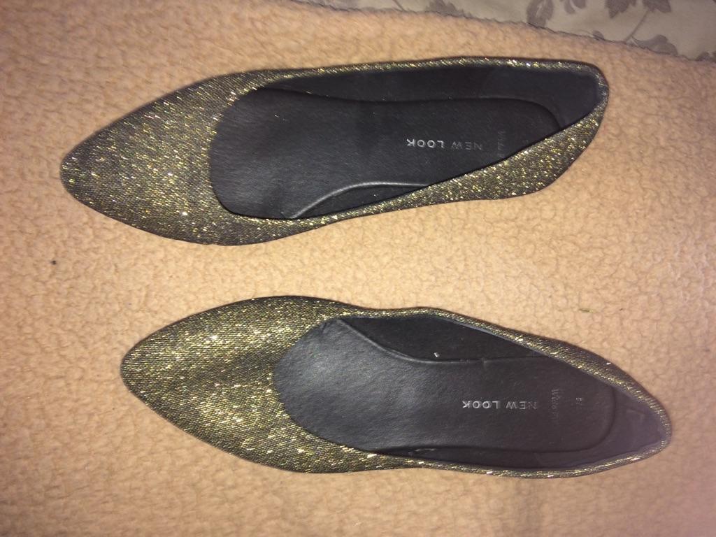 Platform glittery gold shoes