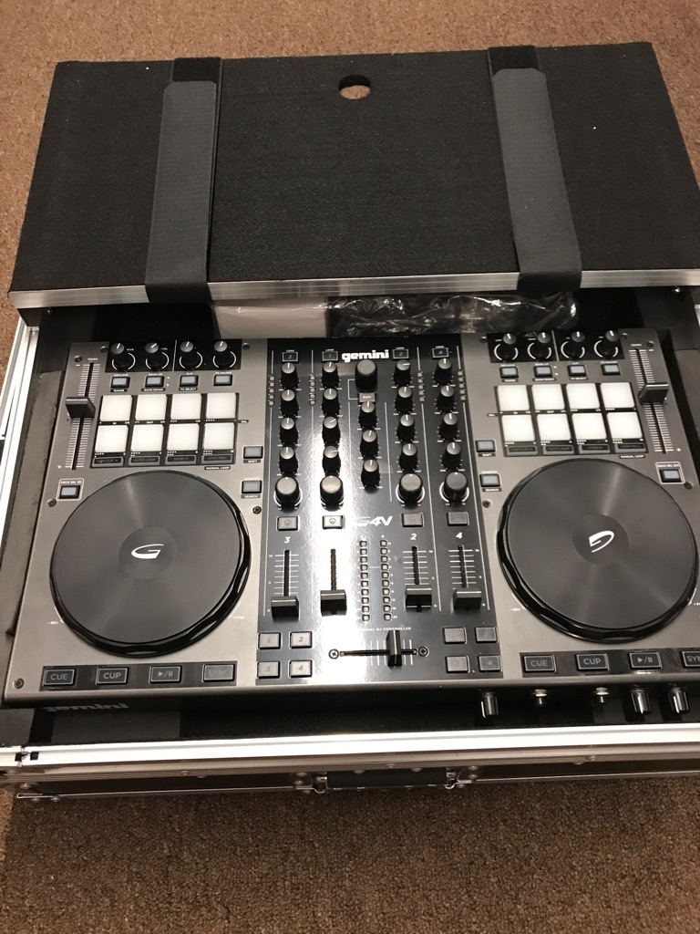 Gemini GVX 4 Channel Dj Controller with Magma Flight Case