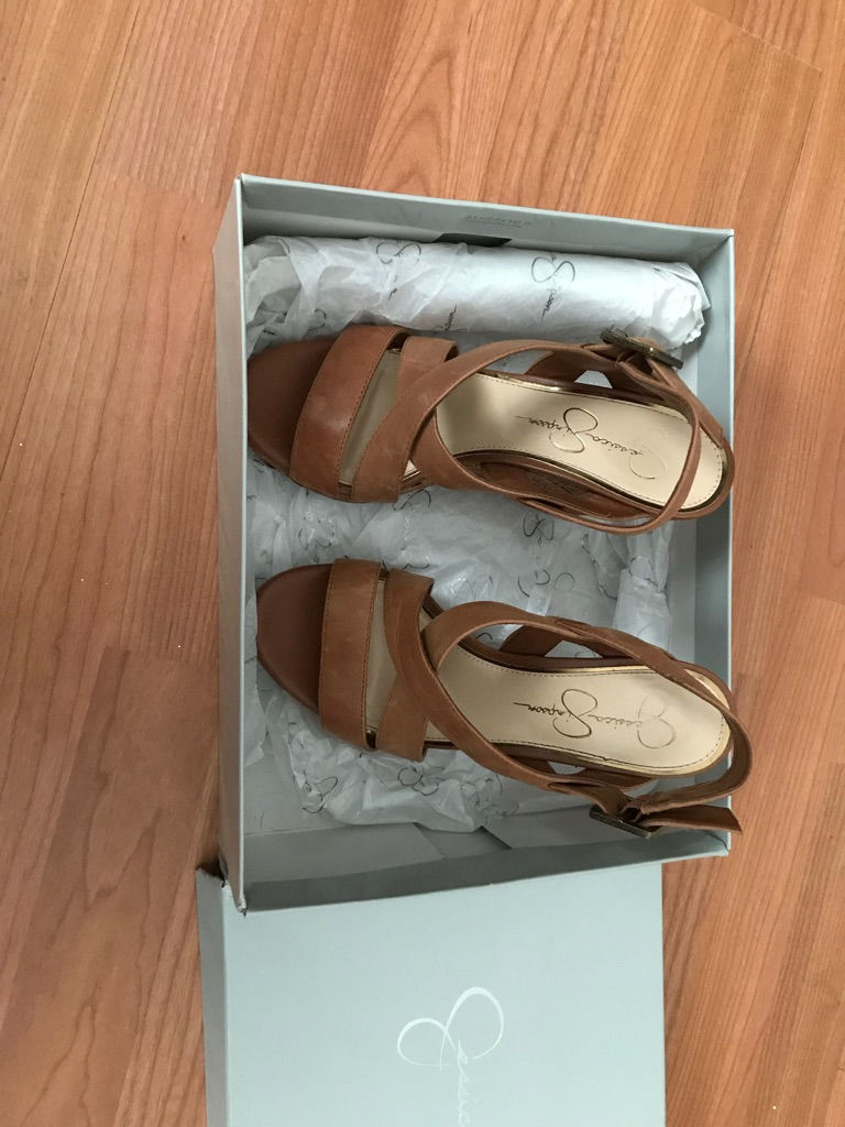 BRANDNEW Jessica Simpson wedges
