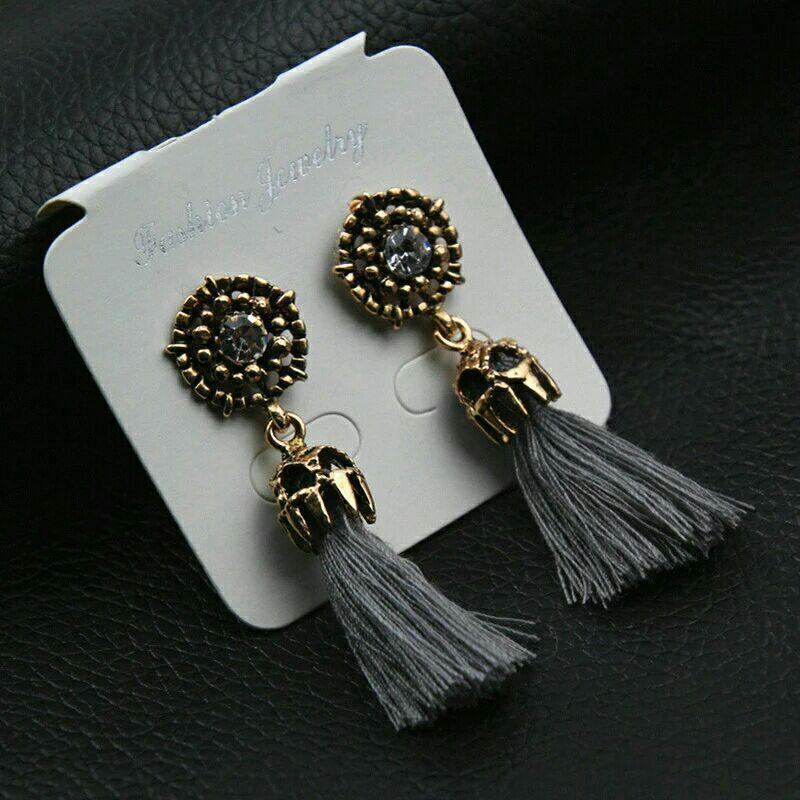 Goldtone w/Gray Tassel Aztec 💀 Boho Earrings