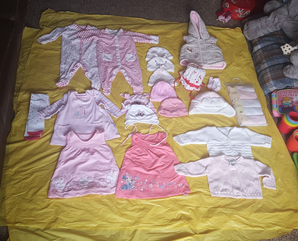 0-3 months BABY GIRL CLOTHES BUNDLE - 30 ITEMS