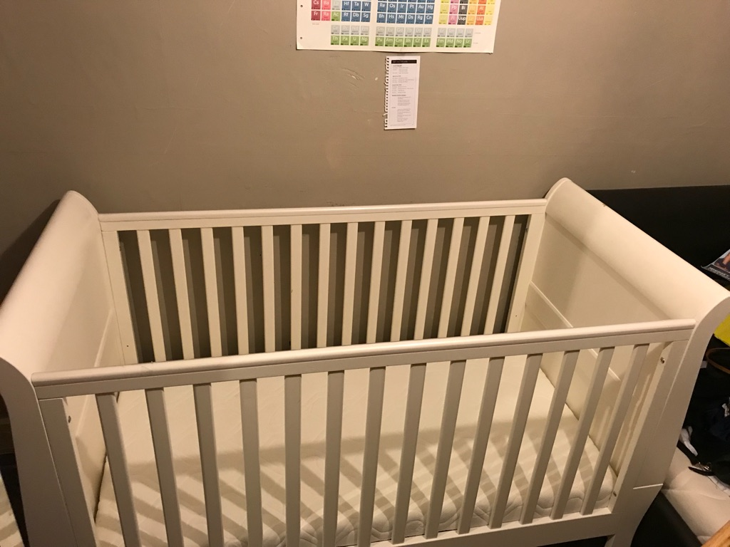 Mamas and papa Mia cot bed