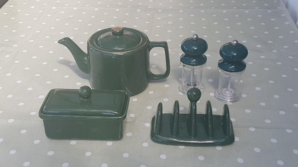 Cromwell and Morgan pottery set
