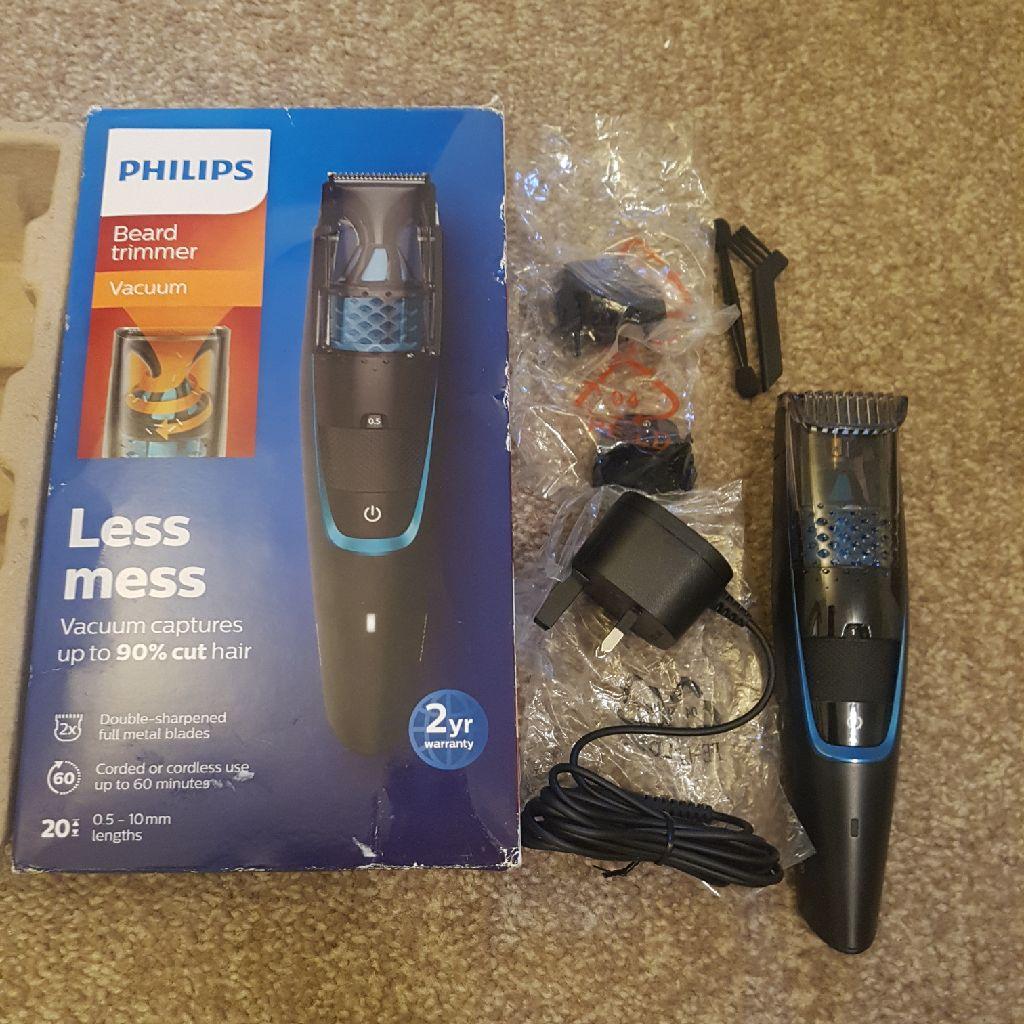 Philips Vacuum Beard Trimmer
