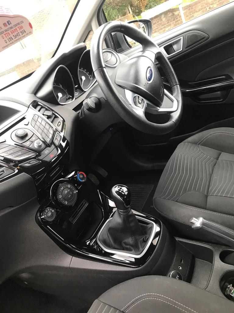 Ford Fiesta zetec. 1.25, 5dr - black