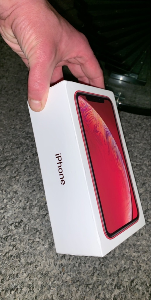 iPhone XR red edition