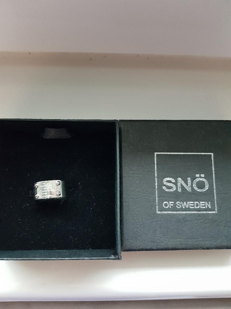 Sno of Sweden ring