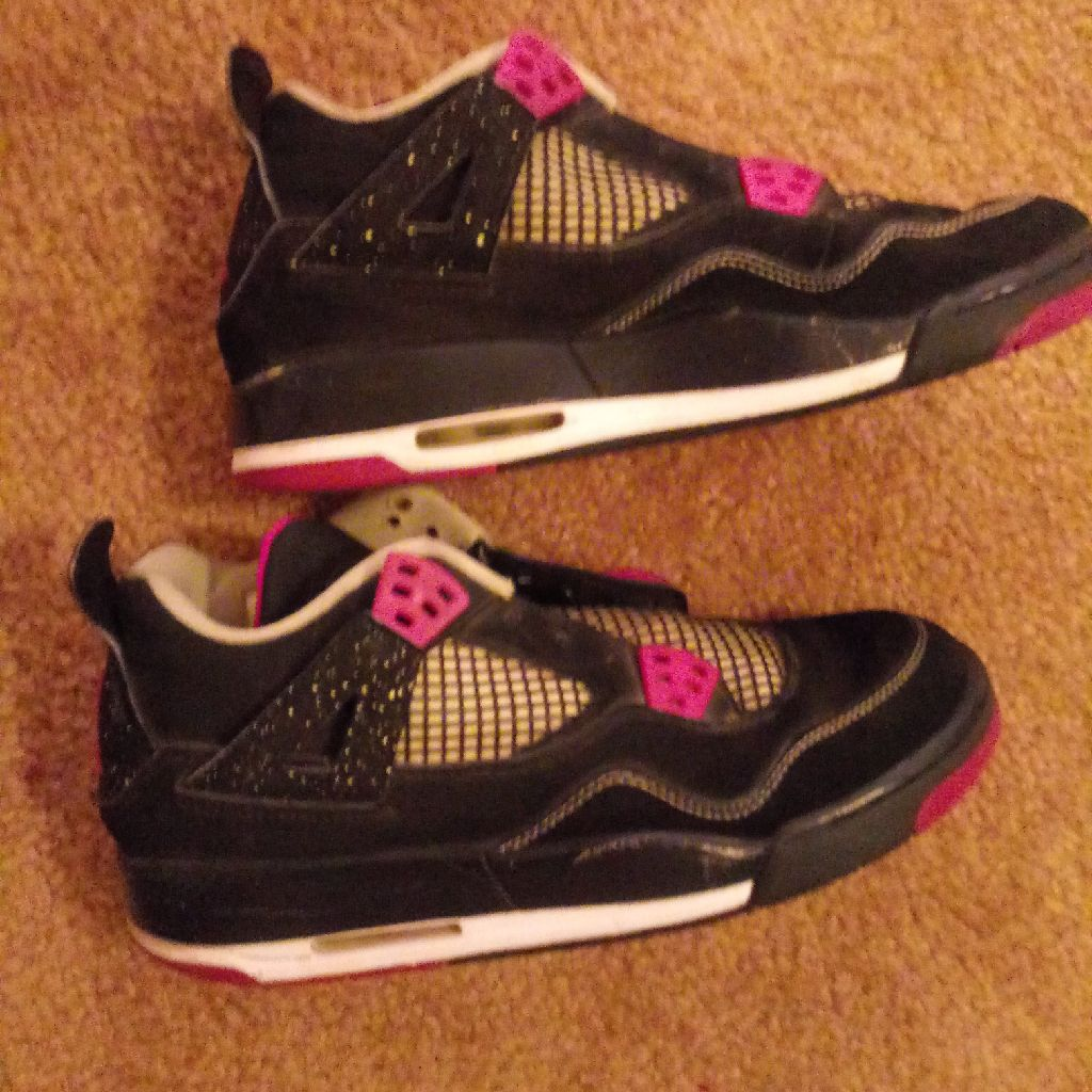 Womans air jordans size 6.5y