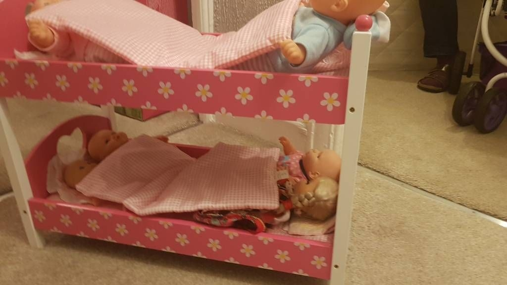 Bunk bed for dolls