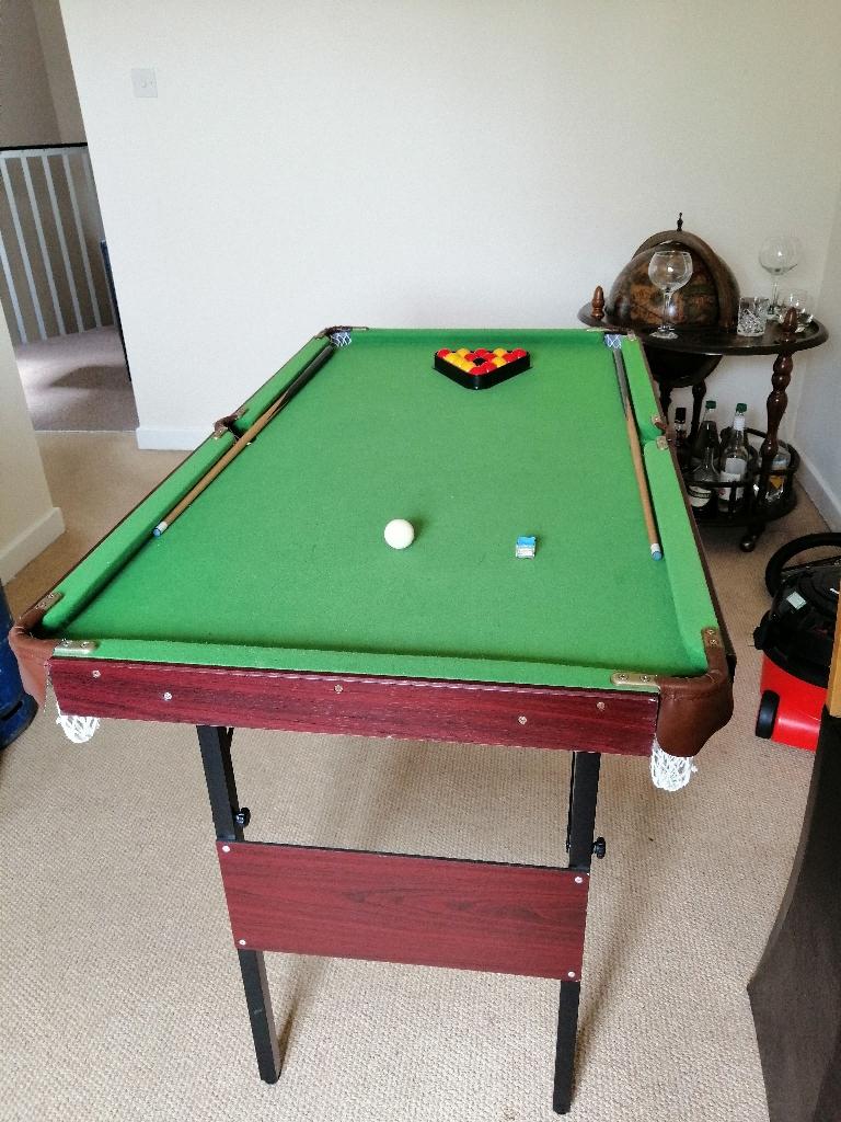 Omega pool table