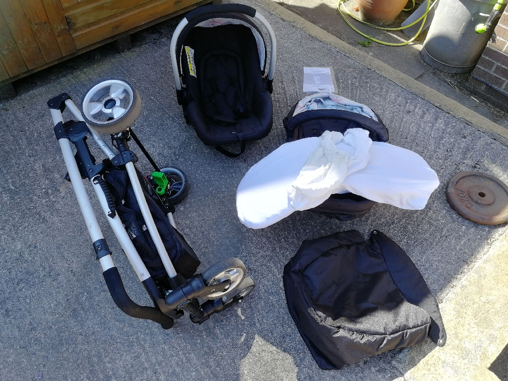 4baby Zoop Pramette, bassinet, and Infant carrier seat
