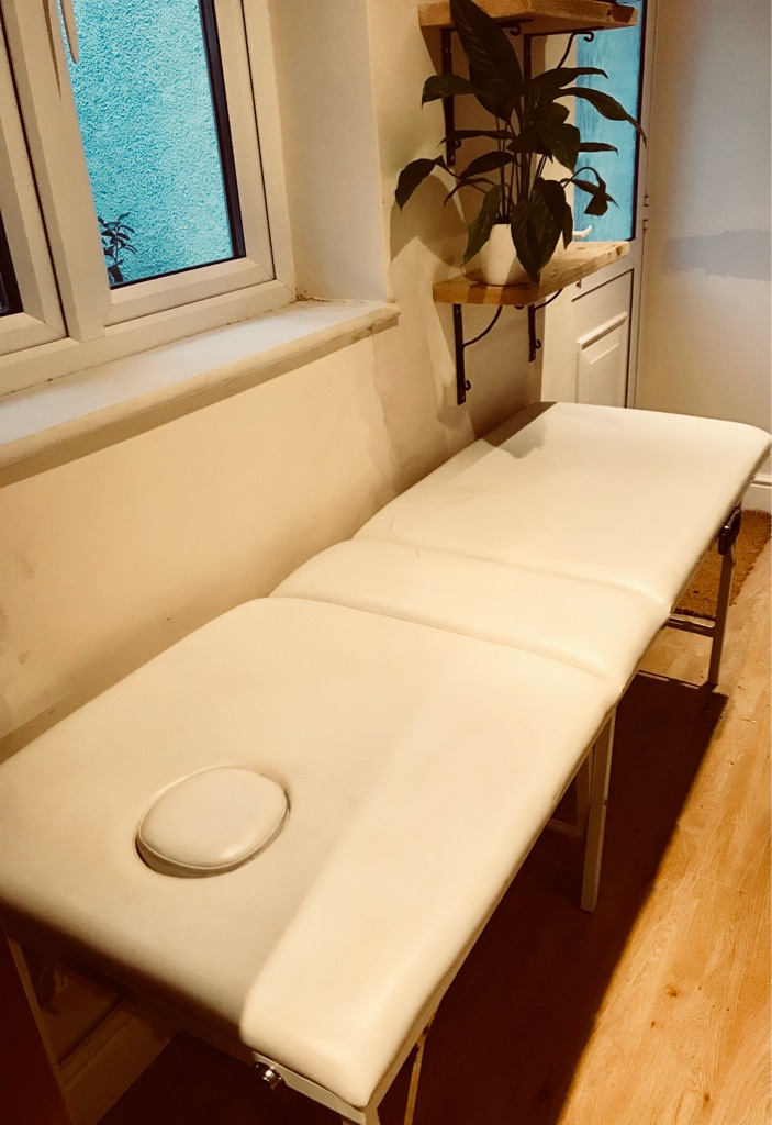 Massage couch
