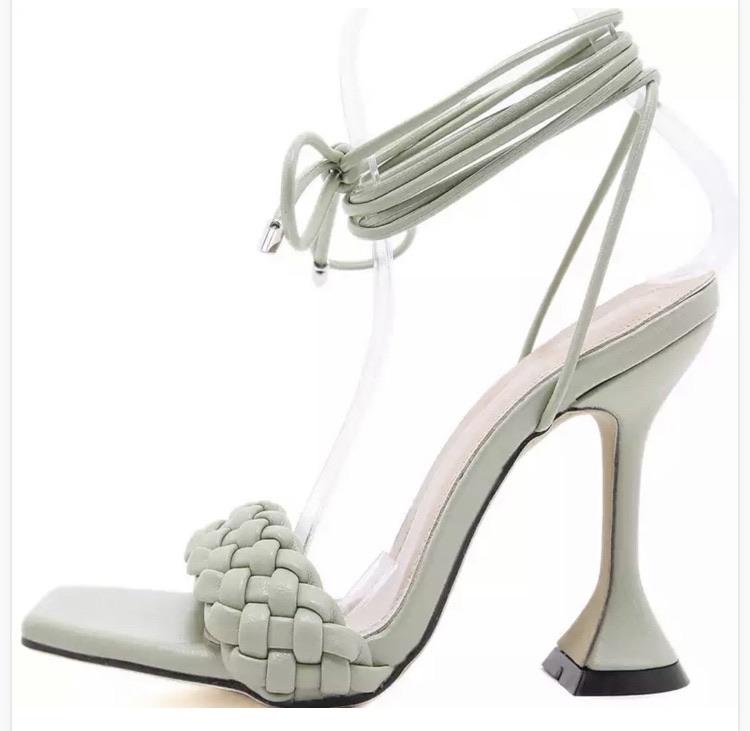 High heels 5% off