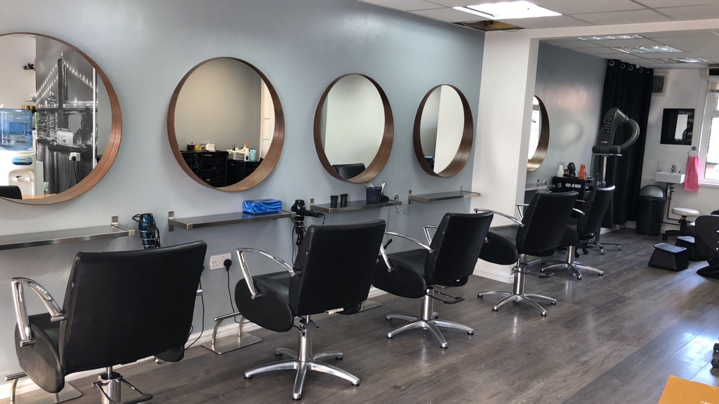 Barber chair to rent in Oxford cowley