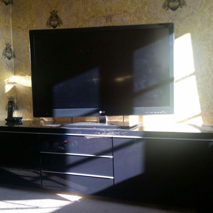 Black hi gloss tv cabinet