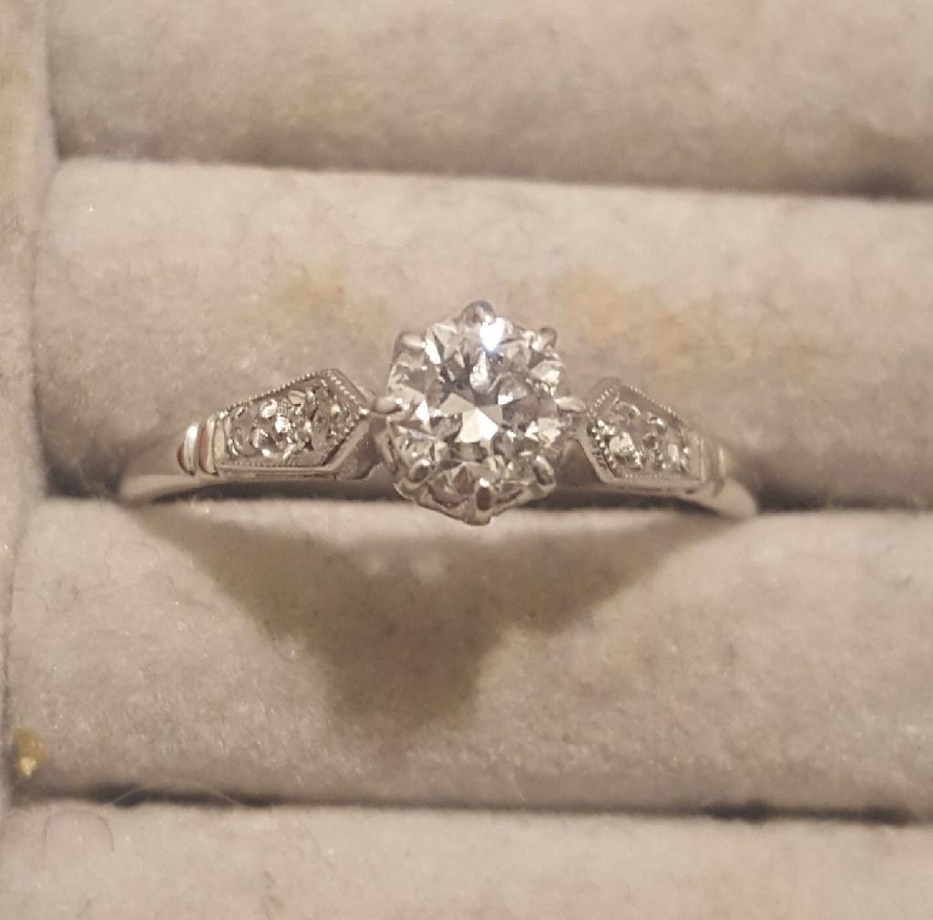 White gold vintage diamond ring