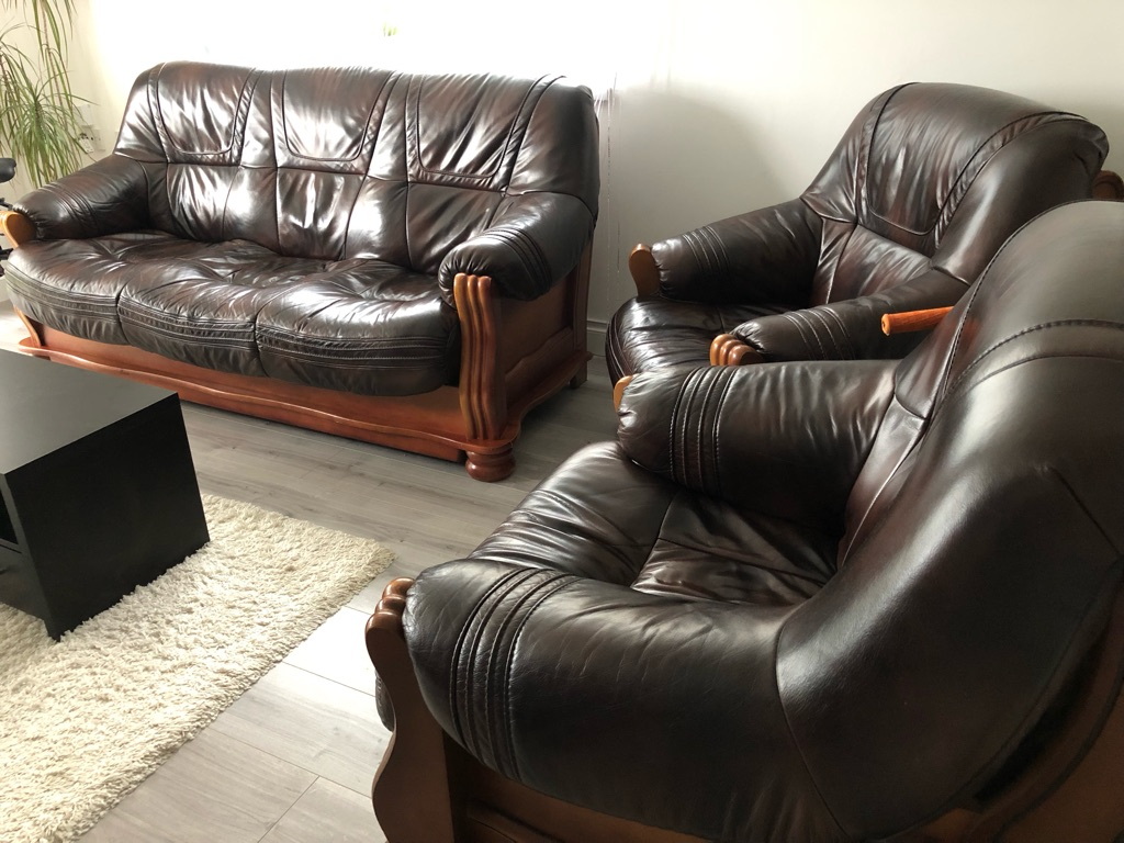Leather sofa bed with 2 arm chairs