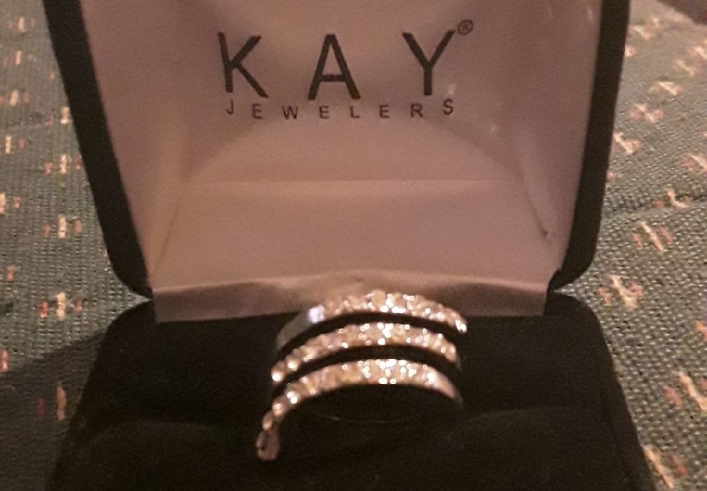 Kay Jewelers spiral ring