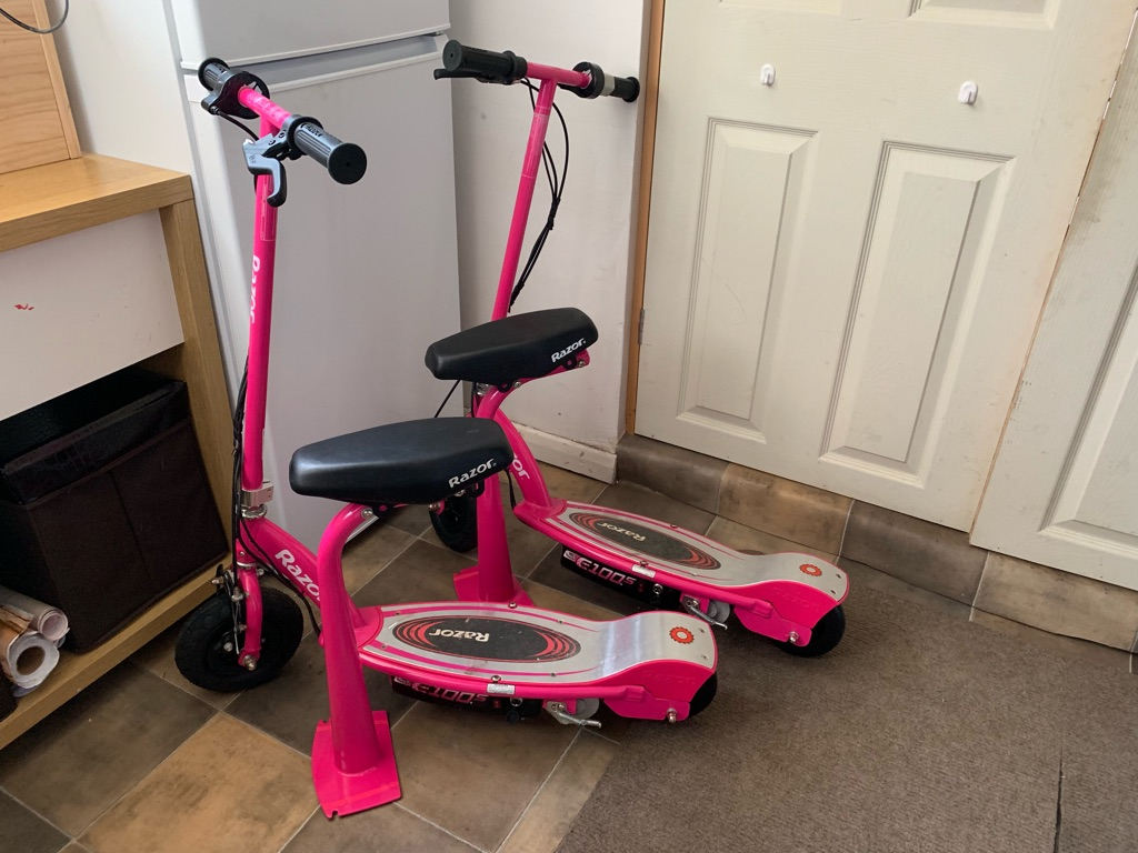 2x Razor E100 electric scooters-Need replacement batteries