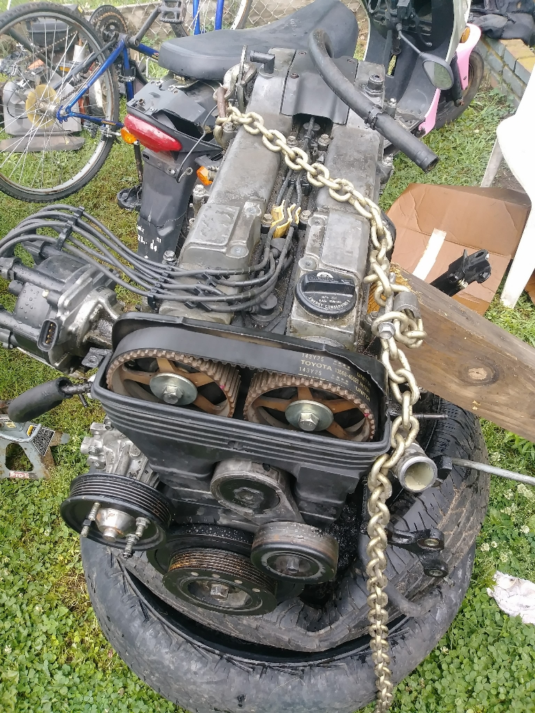 2JZ motor from a toyota luxus