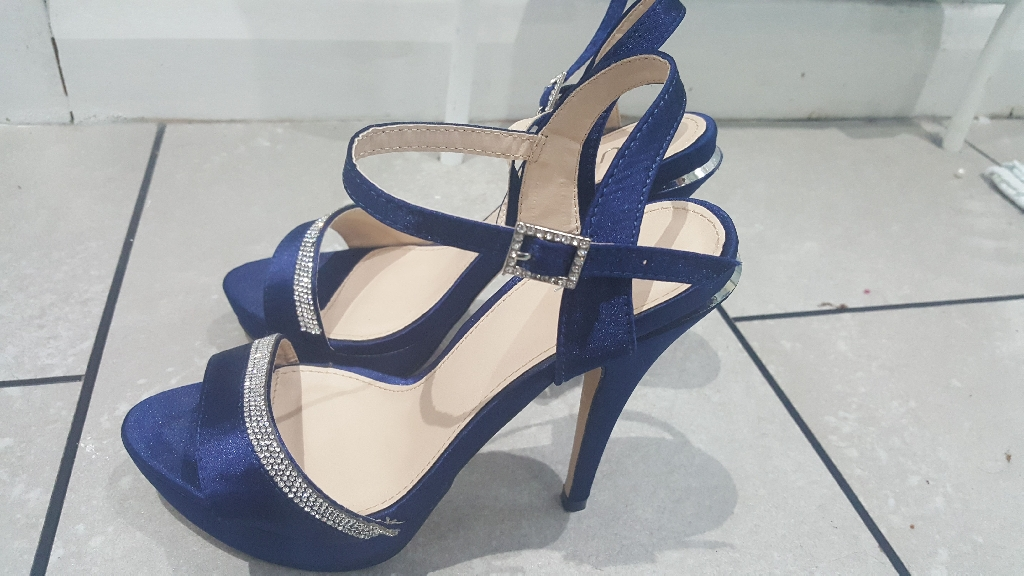 Quiz Navy High Heels Size 5