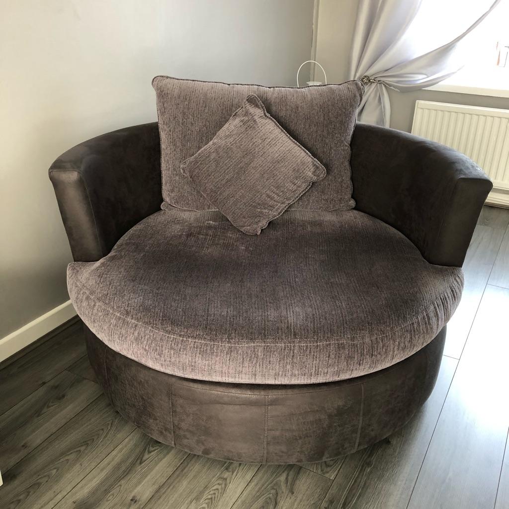 Large Milan twister chair