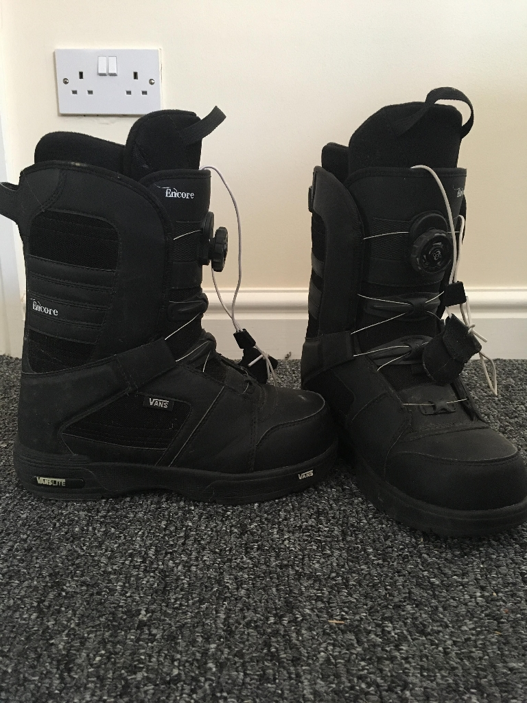 Batalion snowbaord with vans boots