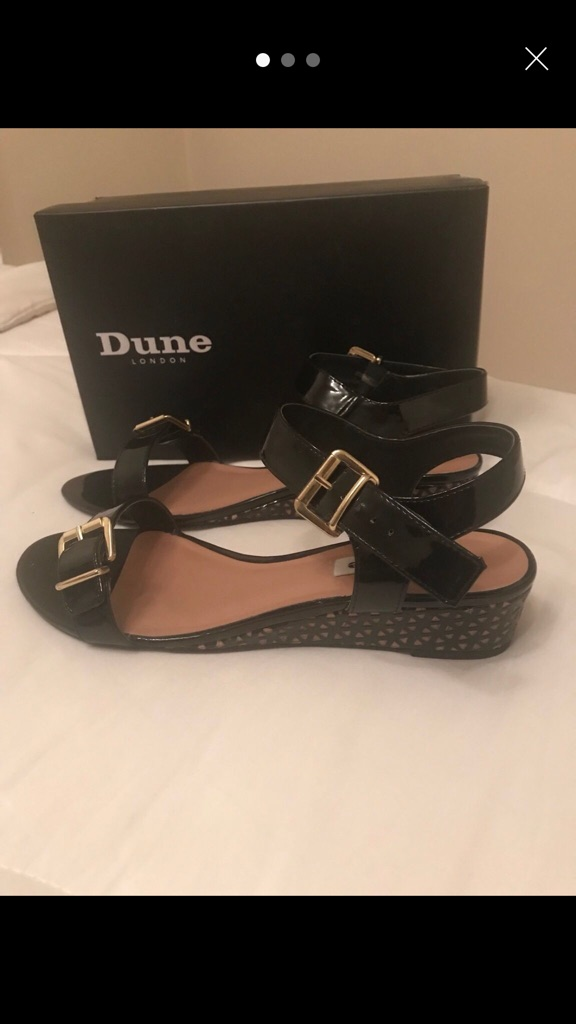 Ladies Dune Sandals Size 8