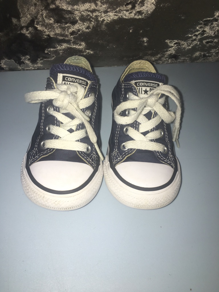 Navy converse size 7 toddler