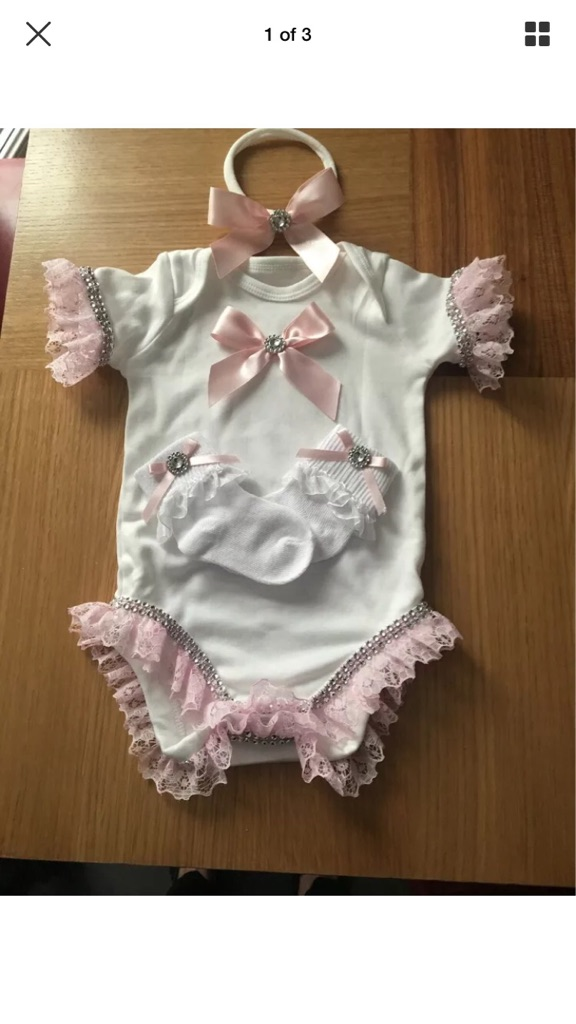 Girls Outfit age 3/6 months