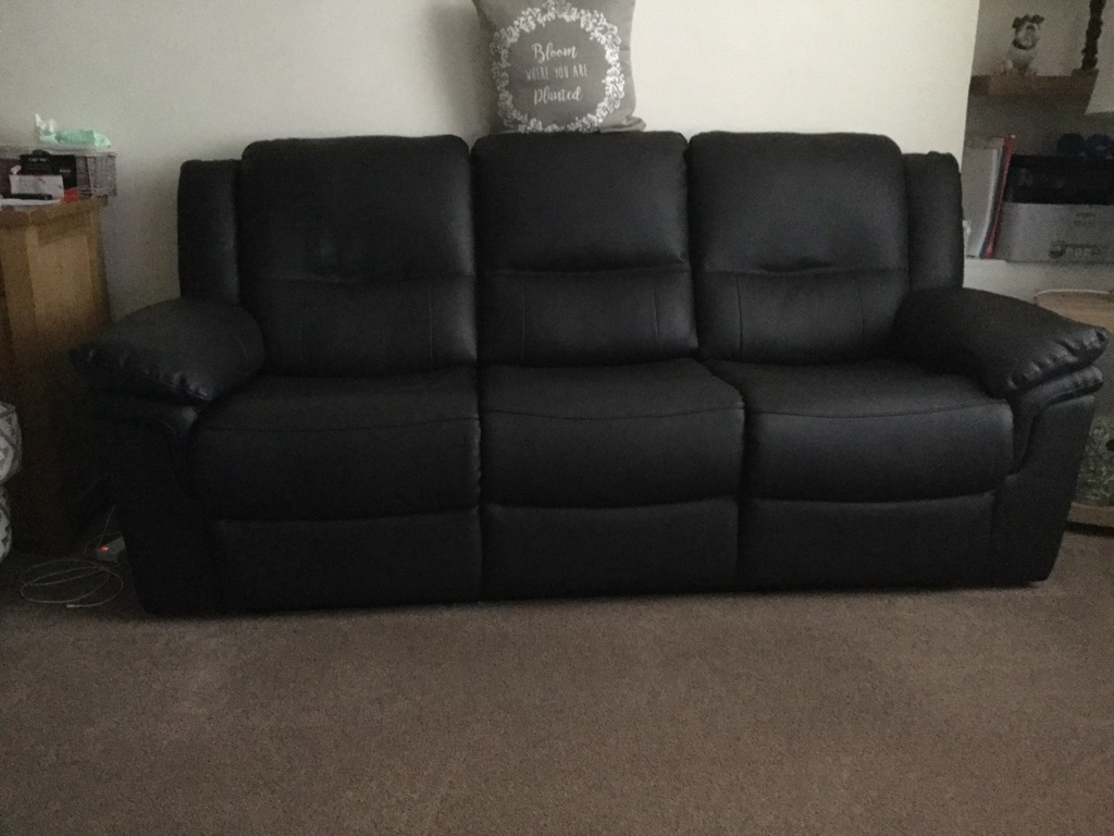 Sofas 3&2 seater both recliners 550ono